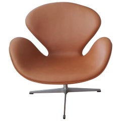 Swan, Model 3320, Calvados Classic Leather by Arne Jacobsen for Fritz Hansen