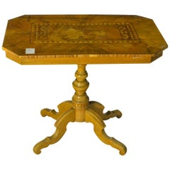 Sorrentino Rectangular Table in Inlaid Walnut of Italian Origin, 1780