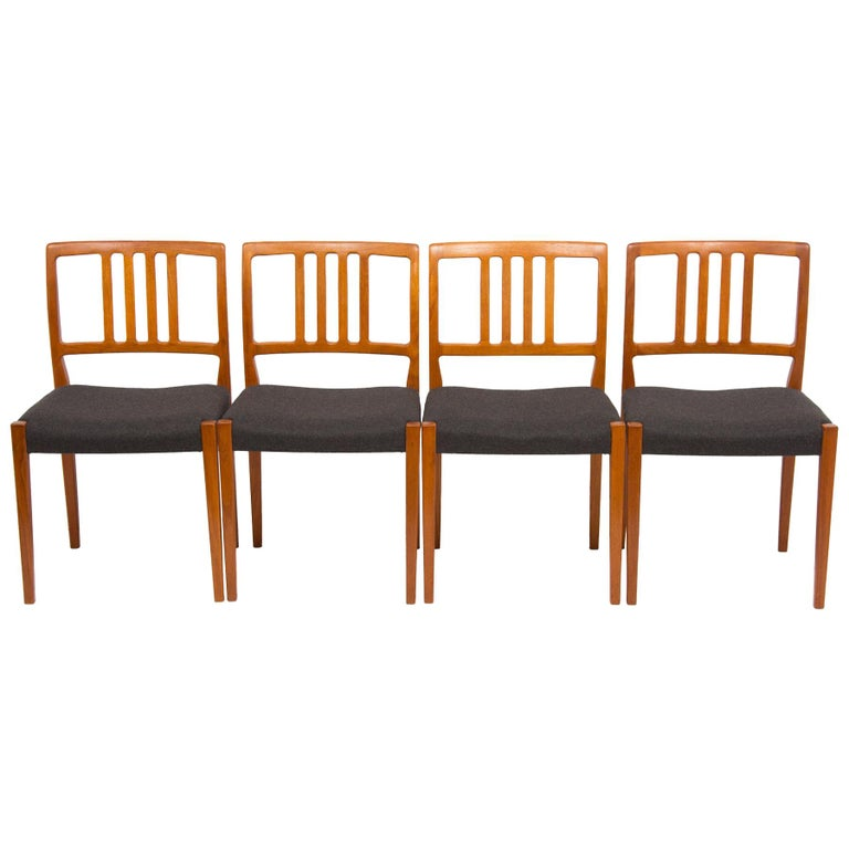 Set of 4 Teak Dining Chairs by Hugo Troeds Bjärnum, Swedish, circa 1960s For Sale