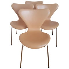 4 Series 7 Chairs Natural Leather Brown Label by Arne Jacobsen for Fritz Hansen