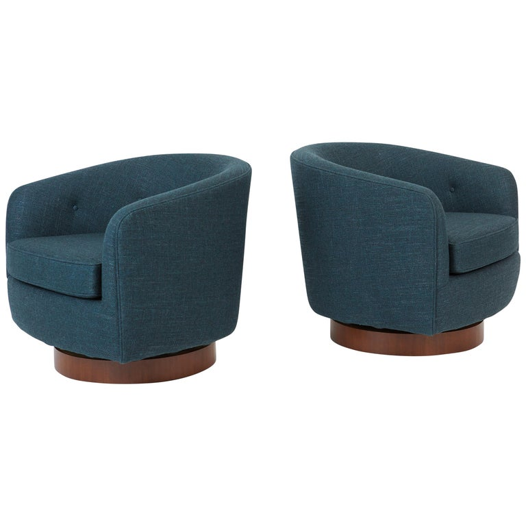 Pair of Milo Baughman Swivel Chairs on Walnut Bases For Sale