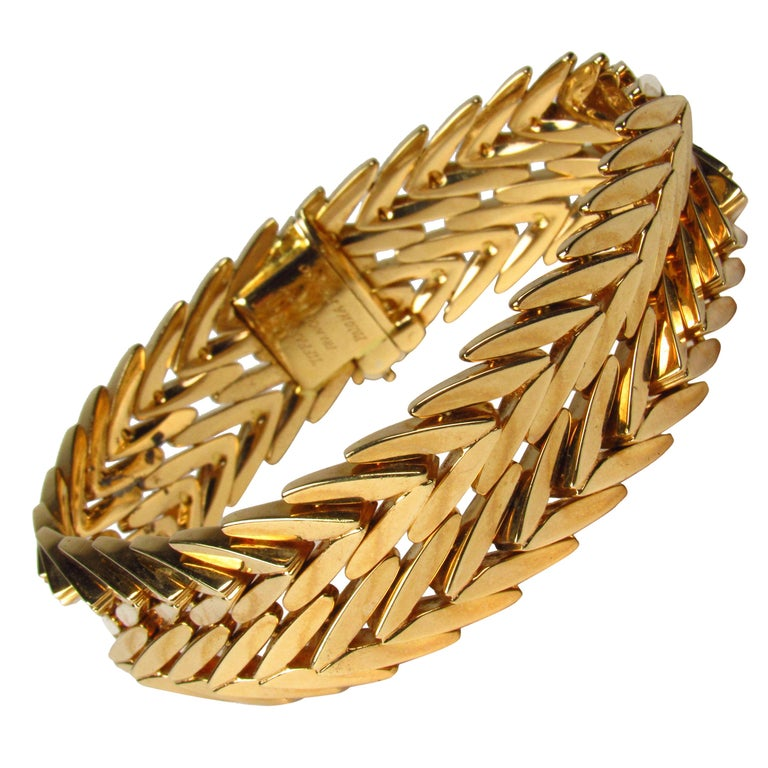 Paloma Picasso Tiffany & Co. 18 Karat Yellow Gold Link Bracelet For Sale