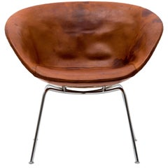 Arne Jacobsen Pot Chair in Distressed Original Fritz Hansen Cognac Leather