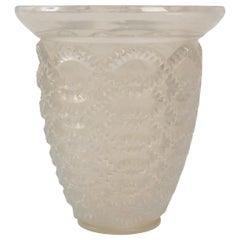 "R. Lalique Opalescent ""Guirlandes"" Vase, 1935"
