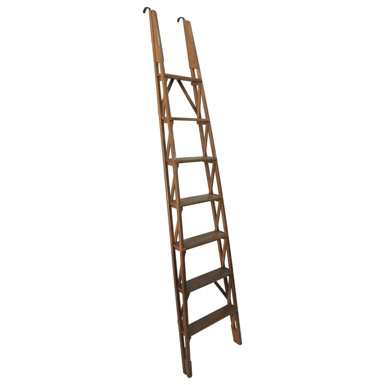 Oak library ladder, 1940–49, offered by Gustavo Olivieri 20th Century