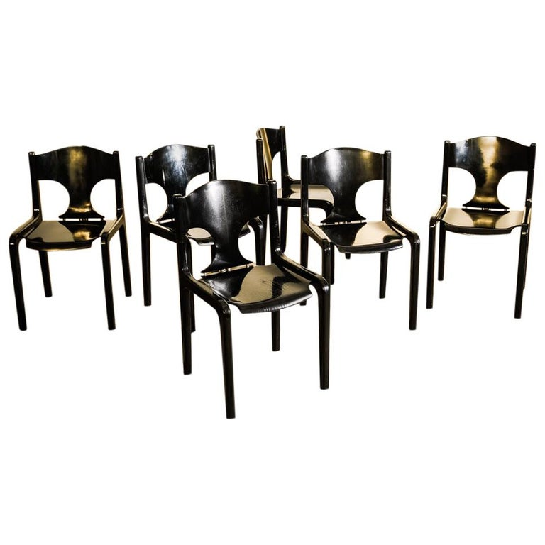Set of 12 Savini Dining Chairs by Augusto Savini for Pozzi For Sale