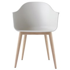 Harbour Chair, Natural Oak, Light Grey Shell