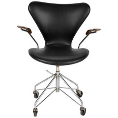 Arne Jacobsen for Fritz Hansen Sevener Desk Chair Model 3117