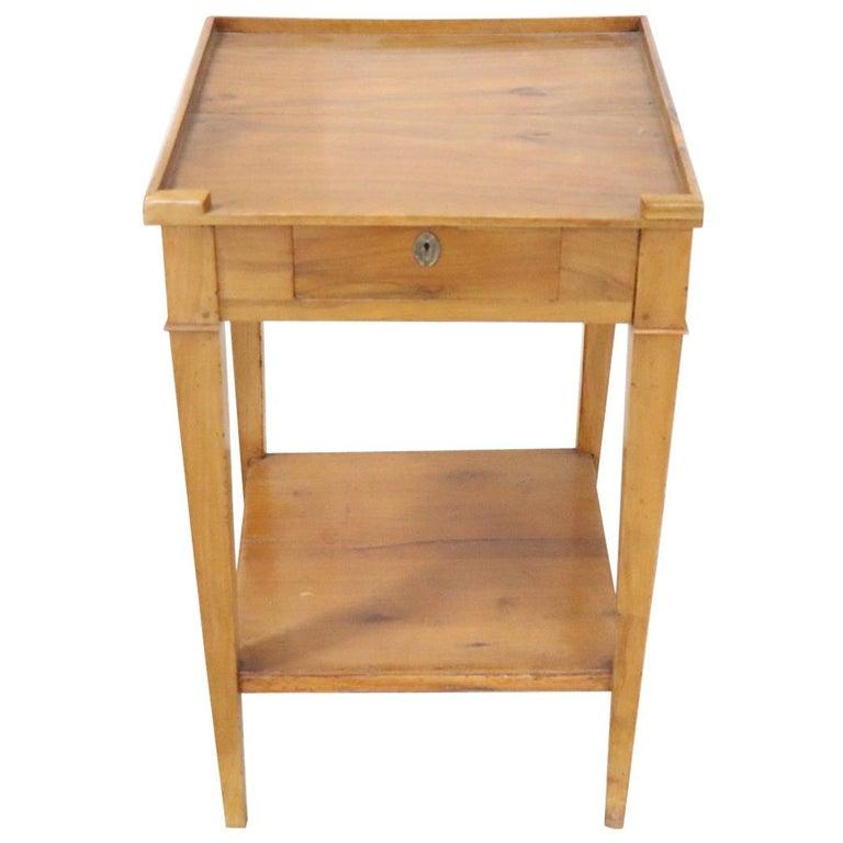 18th Century Italian Louis Xvi Cherry Wood Side Table For