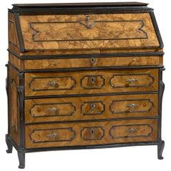 18th Century Walnut Louis XV Italian Bureau
