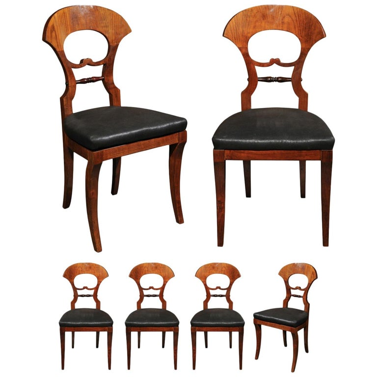 Set of Six Walnut 1840s Biedermeier Austrian Dining Room Chairs with Fan Backs For Sale