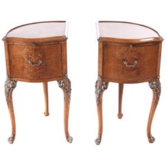 Fine Pair of Bird's-Eye Maple Serpentine Shaped Bedside Cabinets
