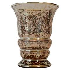 Italienische Art Deco Glasvase bedeckt in Silber mit floralen Motiven