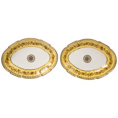 Pair of Neoclassical French Dishes, Made by Dihl et Guehard Late 18th Century