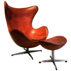 "Arne Jacobsen ""Egg"" Chair and Its Footstool Fritz Hansen Edition, circa 1960"