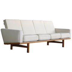 Hans Wegner Four-Seat Sofa Model GE-236/4 in Oak and Beige Wool for GETAMA