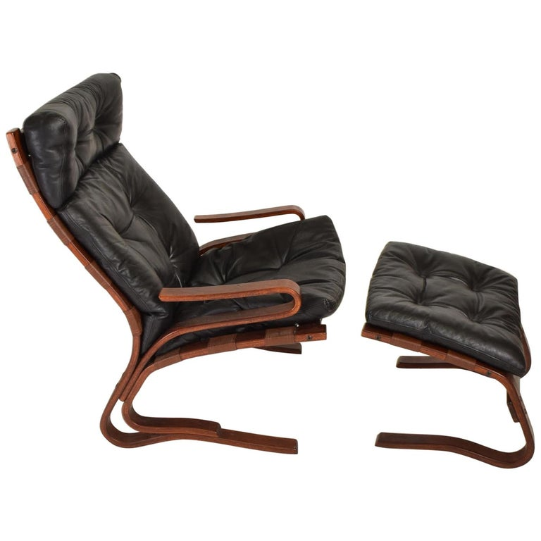 Westnofa Siesta Chair by Ingmar Relling Bent Plywood Lounge Chair and Ottoman For Sale