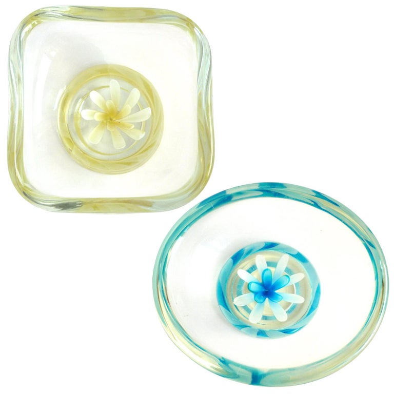 Fratelli Toso Murano Yellow Blue Italian Art Glass Flower Paperweight Bowls For Sale