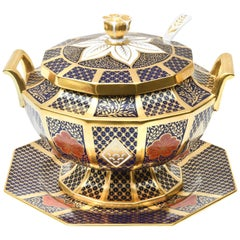English Porcelain Imari Pattern Tureen with Underplate, Vibrantly Painted