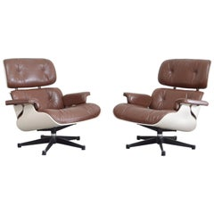 Vitra Eames Lounge Chair Cognac Brown and White Shell, Set of 2