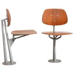 Seltene Skulpturale Industrielle Teakholz Stühle