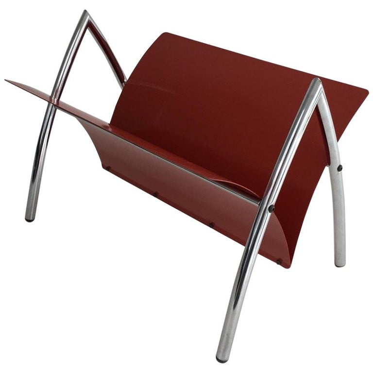 Design Red Lacquered Metal and Chrome Magazine Rack, circa 1970 For Sale