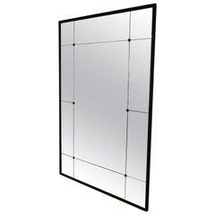 Anpassbarer Standspiegel mit industriellem Eisenrahmen und getäfeltem Glas