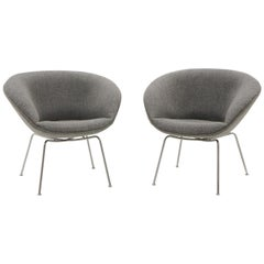 Pair of Pot Chairs by Arne Jacobsen for Fritz Hansen, Restored, Maharam Fabric