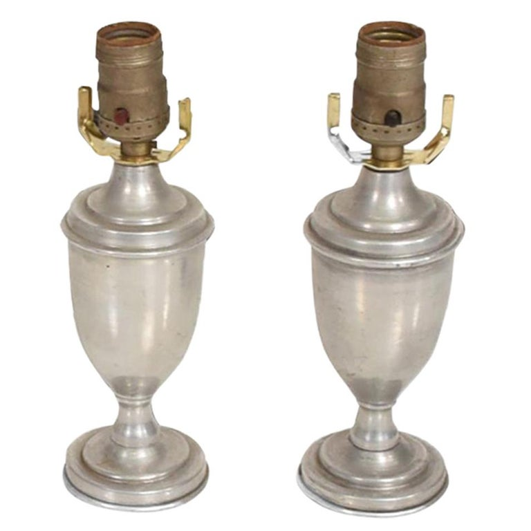 Hollywood Regency Pair of Petite Table Lamps in Aluminum For Sale