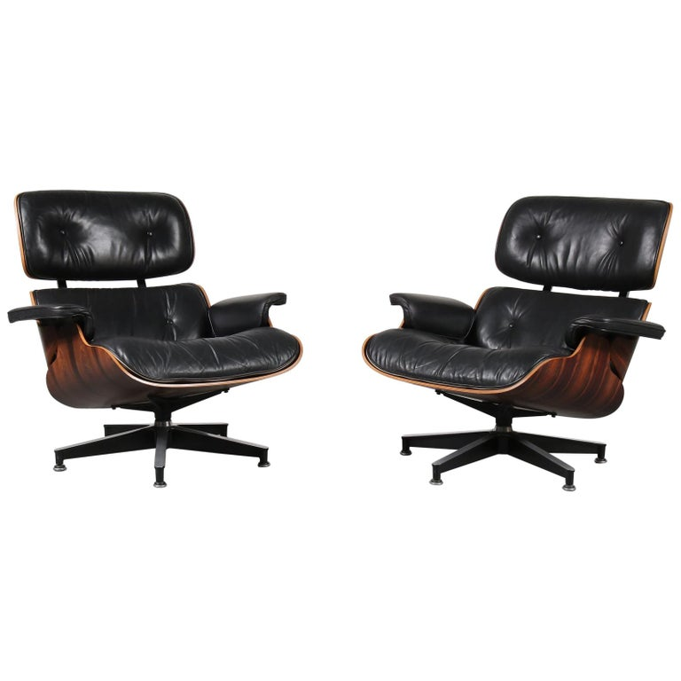 Pair of Charles and Ray Eames Lounge Chairs for Herman Miller, circa 1970 For Sale