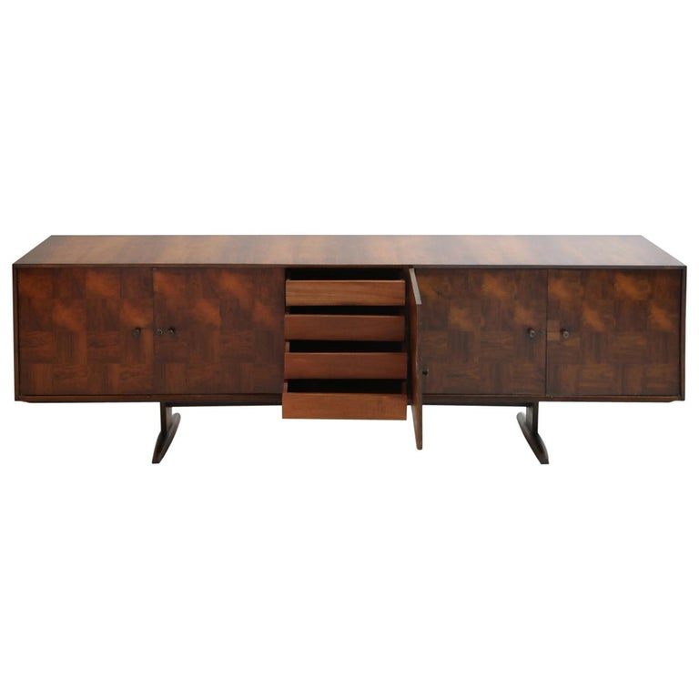 Brazilian Jacaranda Rosewood Parquetry Sideboard by Giuseppe Scapinelli, 1960s For Sale