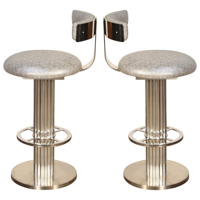 Pair of Memory Swivel Polished Aluminum Barstools by Designs for Leisure, 1980s For Sale