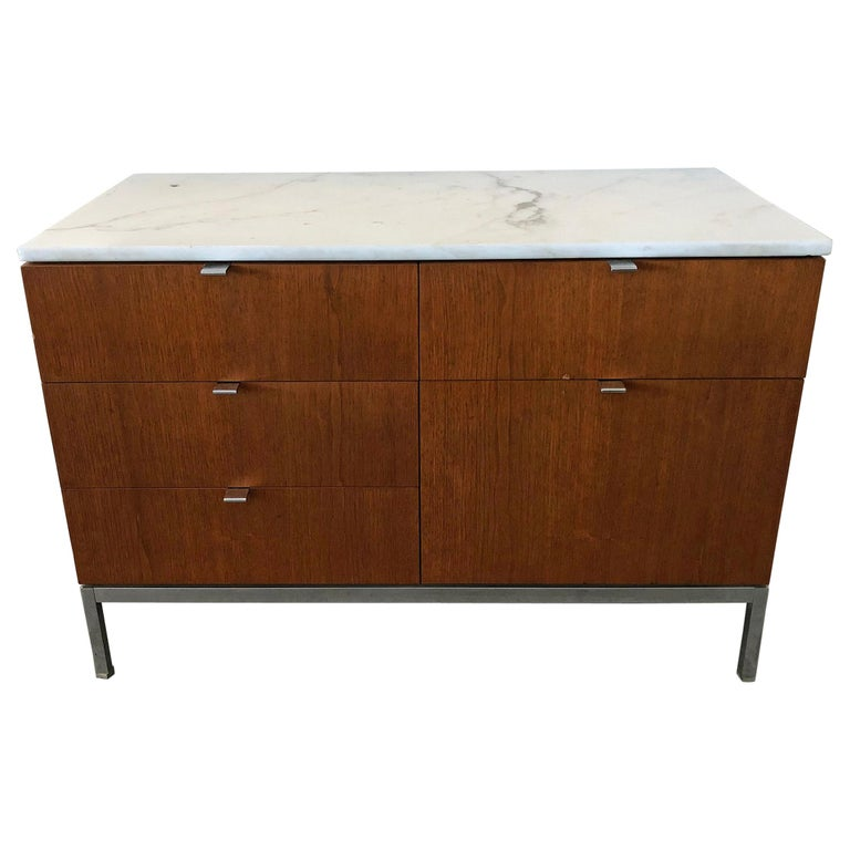 Mid-Century Modern Florence Knoll Credenza For Sale