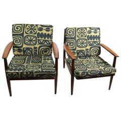 Pair of Mid Century  Lounge Chairs by Baumritter
