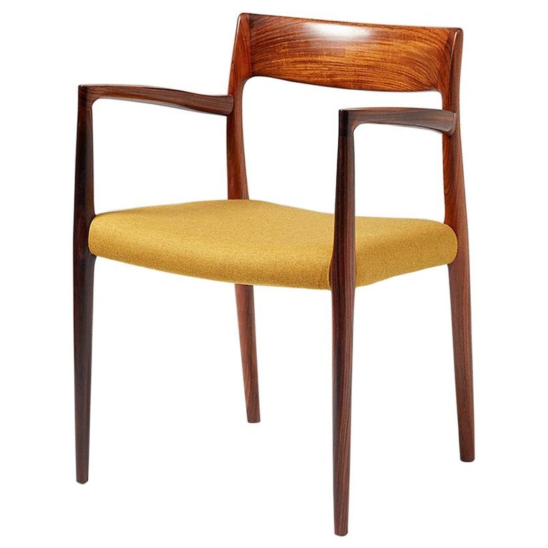 Niels O. Møller Model 57 Rosewood Carver Chair For Sale
