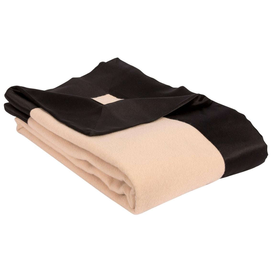 Camille Blanket Cashmere/Wool Black Border in 100% Silk Charmeuse - Queen
