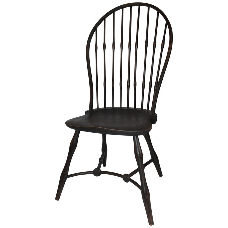 19th Century Windsor Chair with Balloon Back For Sale