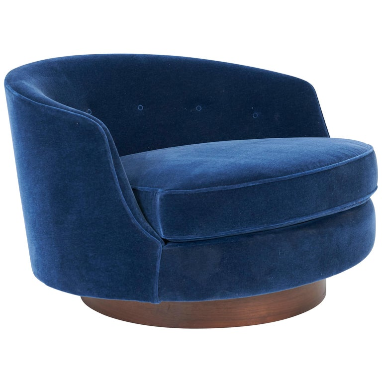 Milo Baughman Oversized Swivel Lounge Chair For Sale