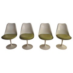 Set of 4 Eero Saarinen Midcentury Tulip Dining Chairs