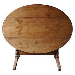 Pine Oval Wine Table/ Table de Vigneron
