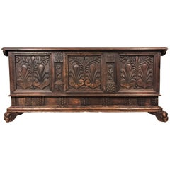Early 17th Century Renaissance Chest in Walnut with Lion Feet