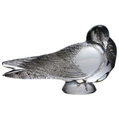 "French Art Deco Clear Glass Study ""Pigeon Gand"" by René Lalique"
