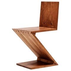 Zig-Zag Chair Designed by Gerrit Rietveld, Elm, circa 1960 Netherlands, Europe