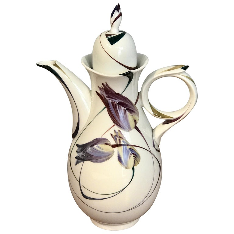Modern Meissen French Tulip Motif Coffee Pot For Sale