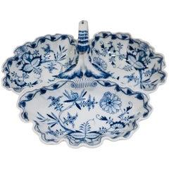 Fine Antique Meissen Porcelain Blue Onion Pattern 3 Lobed Serving Dish from 1815