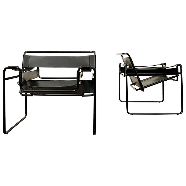 "Marcel Breuer Bauhaus Leather B3 ""Wassily"" Armchair for Gavina, 1972, Set of 2 For Sale"