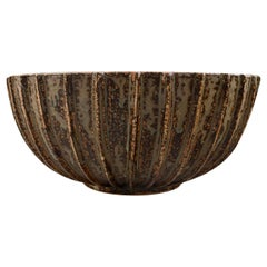Arne Bang, Large Bowl with Fluted Corpus Decorated with Brown Speckled Glaze