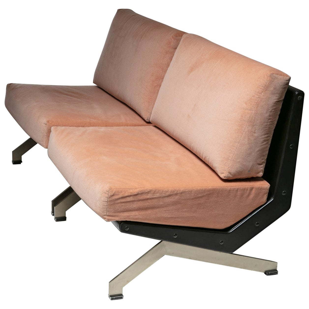 Pair of Lounge Chairs by Gianni Moscatelli for Formanova
