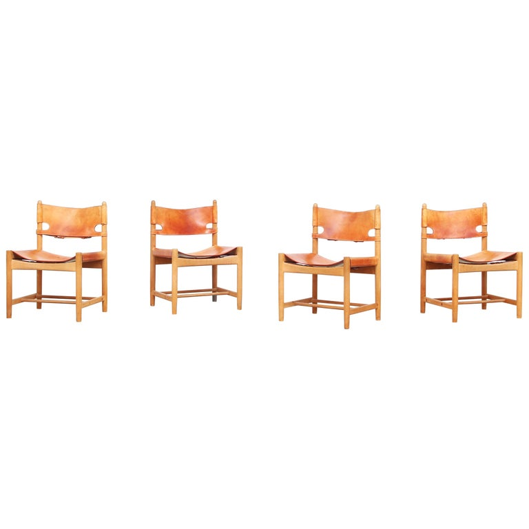Set of Four Hunting Dining Chairs 3237 by Børge Mogensen for Fredericia Denmark  For Sale