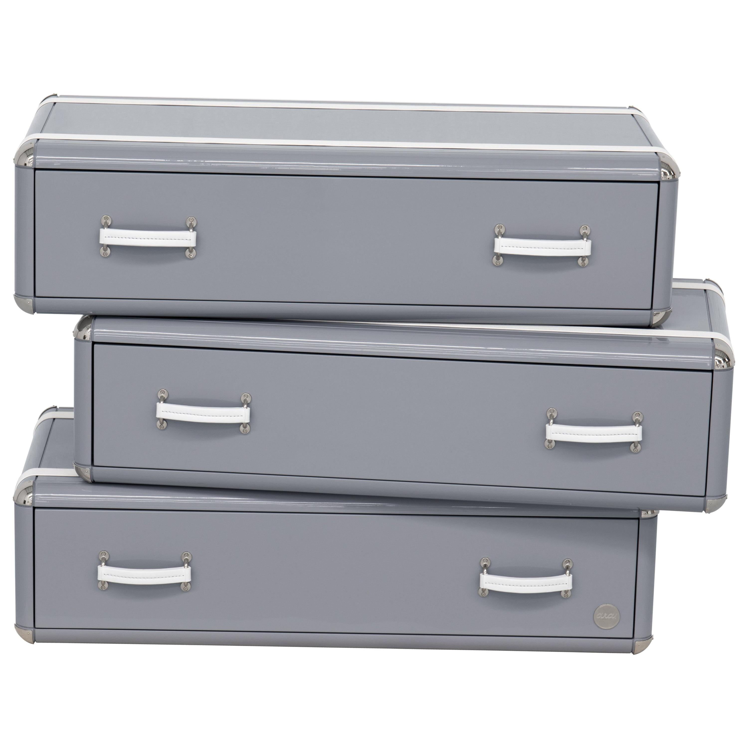 Sky Three-Drawers Chest in Wood with Glossy Gray Lacquered Finish